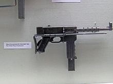 Submachine gun - Wikipedia