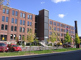 Le Sud-Ouest - The borough hall of Le Sud-Ouest in Saint-Henri. In line with the area's industrial heritage, the building is a converted factory.