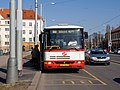 Malovanka, dočasná autobusová zastávka, stojící autobus.jpg