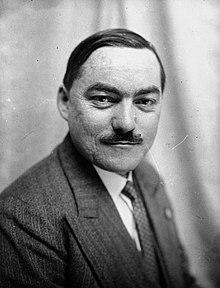 Marcel Déat, député de Paris (1932).