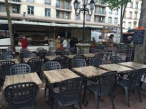 Place Ambroise-Courtois - Image: Marché du soir place Courtois Lyon