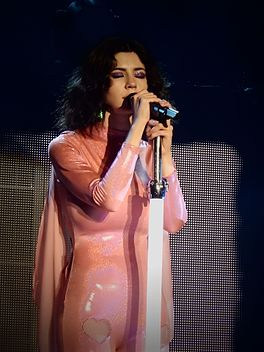 Marina and the Diamonds, Roundhouse, London (Neon Nature Tour) 04.jpg