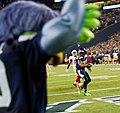 Marshawn Lynch scoring a touchdown vs. 49ers 2013.jpg