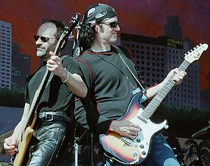 English: Mel Schacher and Bruce Kulick of Gran...