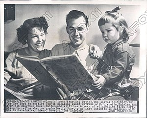Mel Patton - Image: Mel Patton with family 1949