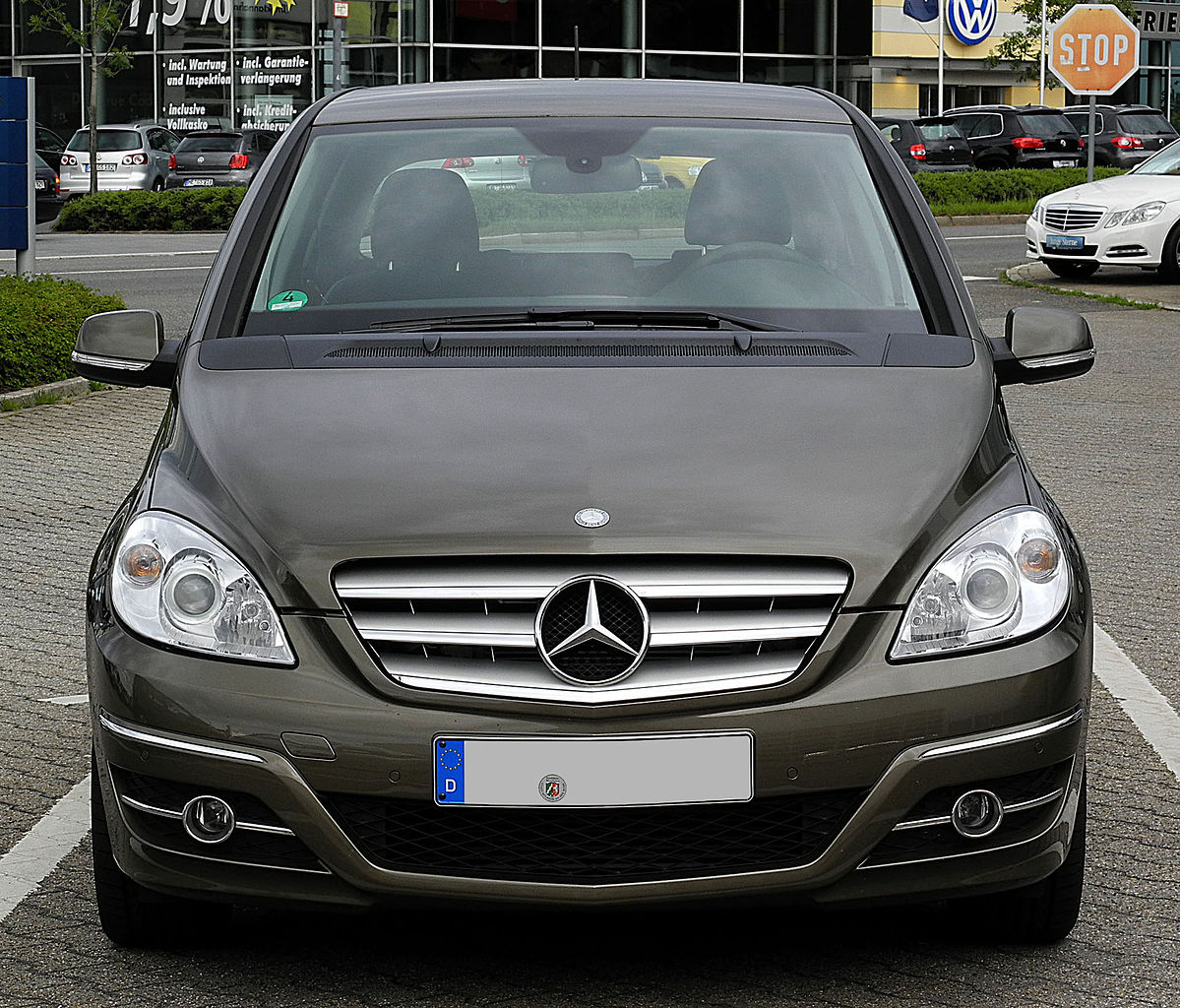 file mercedes benz b 180 cdi t 245 facelift frontansicht 10 juni 2011. Black Bedroom Furniture Sets. Home Design Ideas