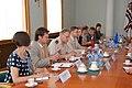 Ministru prezidents tiekas ar NATO spēku virspavēlnieku Eiropā adm. Džeimsu Stavridisu (4792766654).jpg