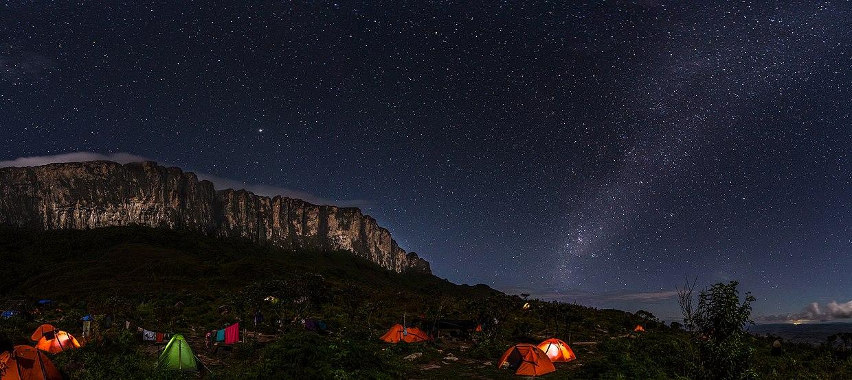 Monte Roraima noturno.jpg