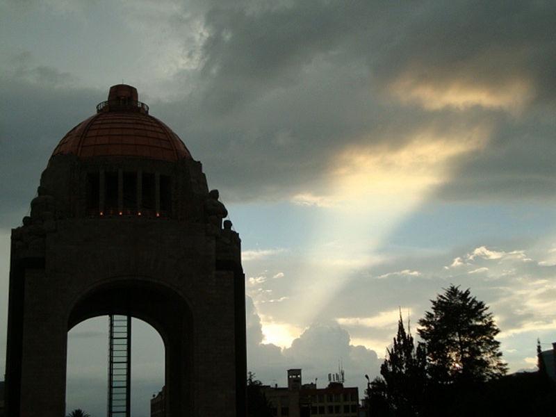 File:Monumento a la rev.jpg