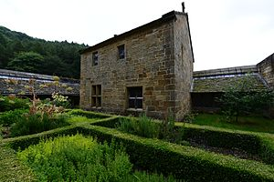 Monastic garden - Garden of the reconstructed monks' cell at the Mount Grace Priory