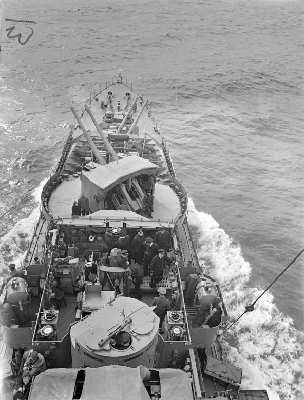 Mountbatten and officers on HMS Kelvin 1940 IWM A 659
