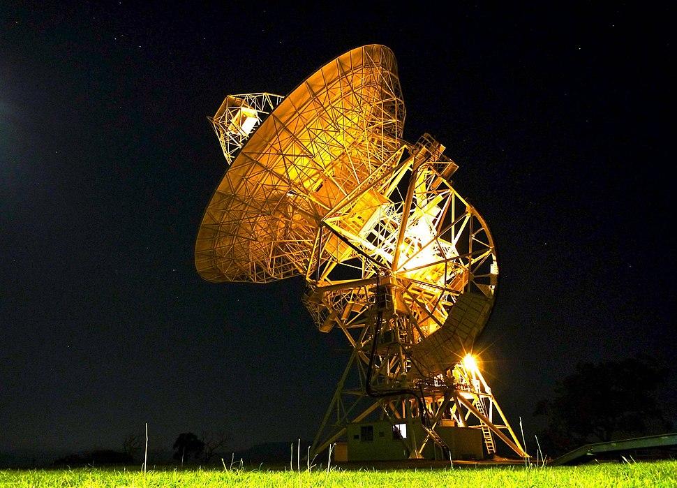 Mt Pleasant radio telescope night