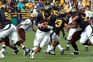 2008 California Golden Bears football team - Longshore prepares to throw a pass