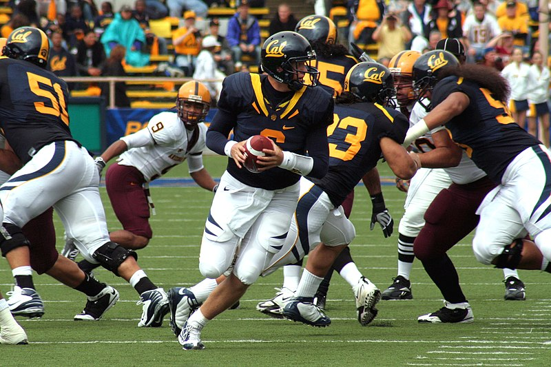 https://upload.wikimedia.org/wikipedia/commons/thumb/4/42/Nate_Longshore_prepares_to_pass_at_ASU_at_Cal_2008-10.04.jpg/800px-Nate_Longshore_prepares_to_pass_at_ASU_at_Cal_2008-10.04.jpg