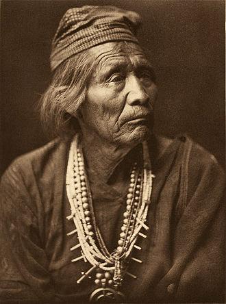 Navajo medicine - Navajo medicine man Nesjaja Hatali, 1907