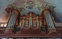 Schnitger-orgel i Neuenfelde etter renoveringen i 1956 (til venstre) og fra 2017 (til høyre)