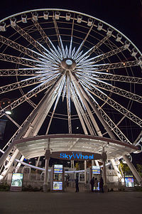 Niagara Falls Skywheel by night 03.jpg