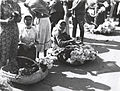 Nicolae Ionescu - Women selling flowers at the Grand Market in 1929.jpg