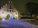 Nordertor bei Nacht zur Weihnachtszeit hin (Flensburg 2012).JPG