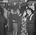 Nozems en modernisten vieren op hun manier Kerstmis in de Montevideo, Bestanddeelnr 911-9101.jpg
