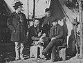 O'Sullivan, Timothy H. - Falmouth, Virginia, Gruppe vor einem Zelt (Zeno Fotografie).jpg