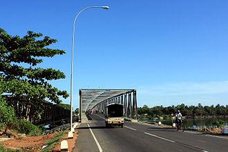 Oddamavadi Bridge - Old (left) and New (right) bridges