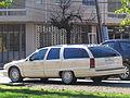 Oldsmobile Custom Cruiser 1992 (10701519986).jpg