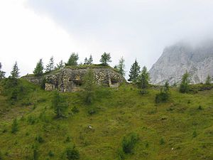 Alpine Brigade Cadore - Alpine wall bunker on the Kreuzbergpass