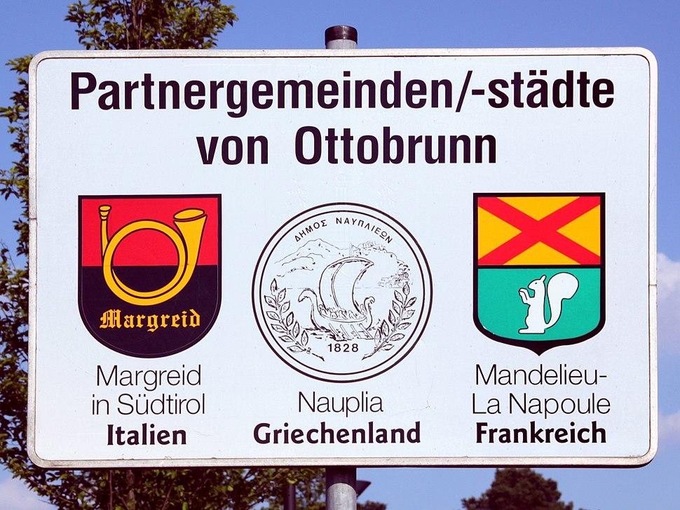 Ottobrunn Partnerschaftsschild 2010-06-29
