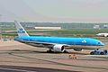 PH-BQA B777-206ER KLM AMS 09MAY06 (6782341281).jpg