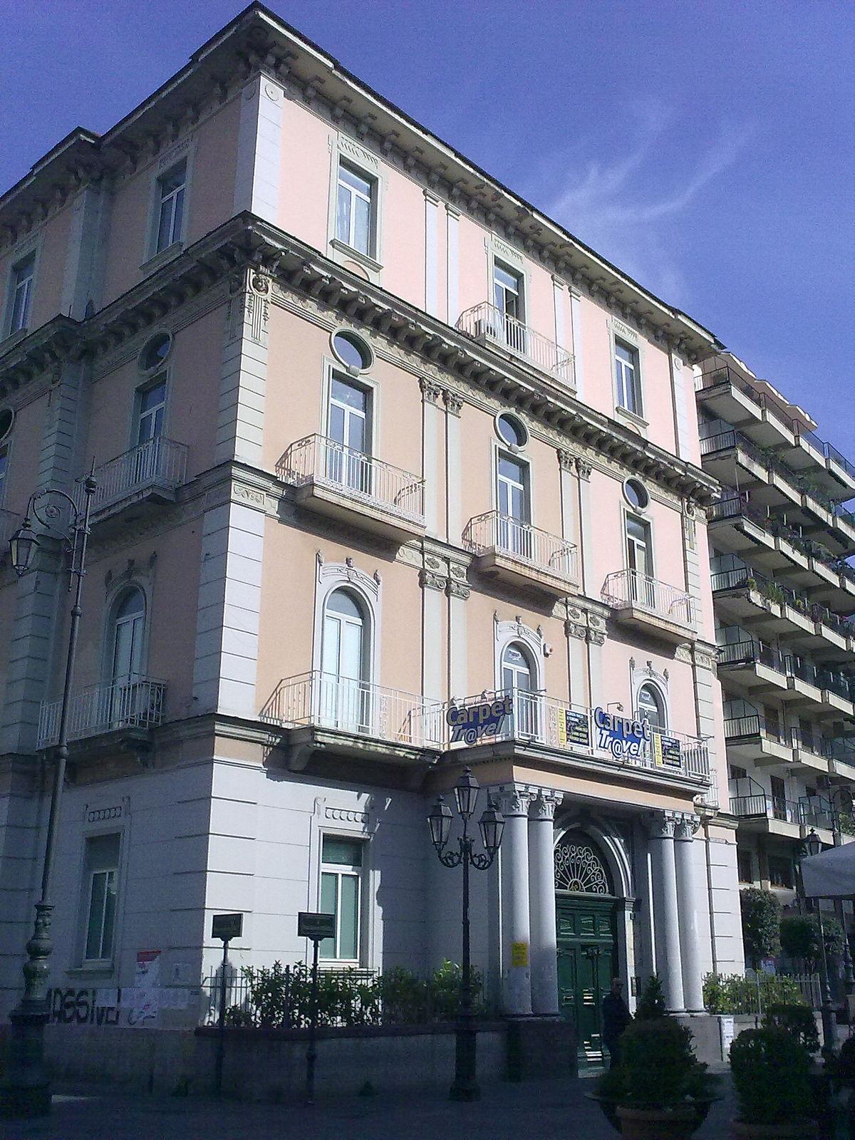Palazzo gabola wikipedia for Palazzo a 4 piani