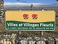 Panneau Villes Villages Fleuris Route Villeneuve Crottet 2.jpg