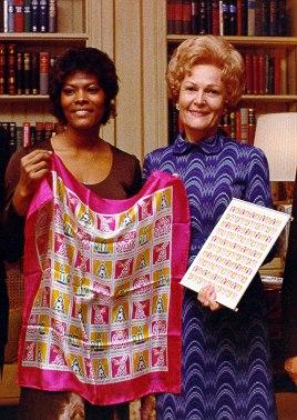 Pat Nixon with Dionne Warwick