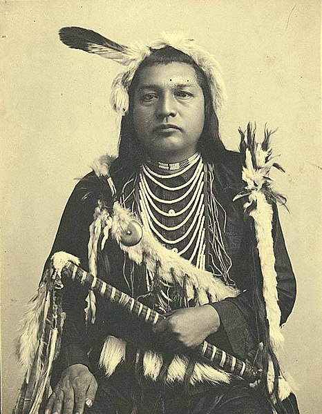 File:Paul Shoaway, Umatilla Indian, in ceremonial dress, Washington (4951753872).jpg