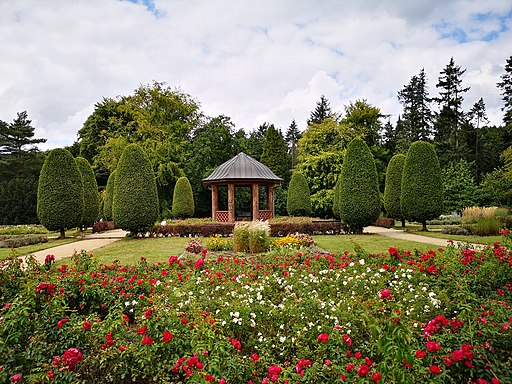 Altonaer Volkspark: Pavillon im Schulgarten