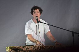 Pianoboy in Green Theatre 203143.jpg