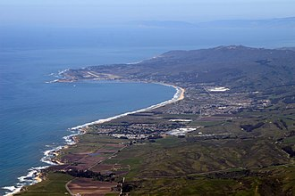 Half Moon Bay (California) - Half Moon Bay and Pillar Point (top), 2009