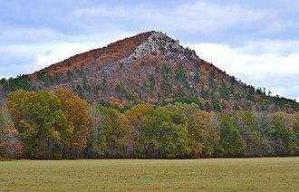 Pinnacle Mountain (Arkansas) - Pinnacle Mountain as seen from Highway 300