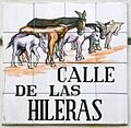 Placa de la calle de las Hileras (17 de diciembre de 2016, Madrid).jpg