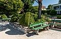 Poertschach Johannes-Brahms-Promenade Blumenstrand Buchsbaumfigur 27052017 8906.jpg