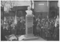 Pomnik Józefa Piłsudskiego w Ławicy pod Poznaniem.png