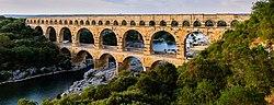 Pont du Gard BLS.jpg