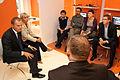 Premier oraz Minister Elżbieta Bieńkowska spotkali się także z młodzieżą w Wyższej Szkole Bankowej (6165309929).jpg
