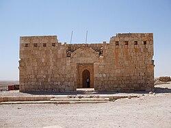 قصور الزرقاء 250px-Qasr_Al-Hallabat_mosque.jpg