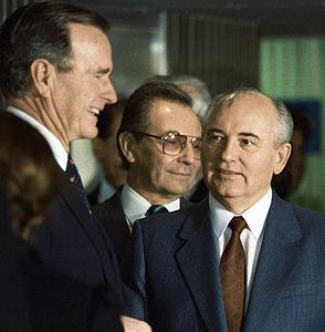 RIAN archive 29280 George Bush and Mikhail Gorbachev.jpg