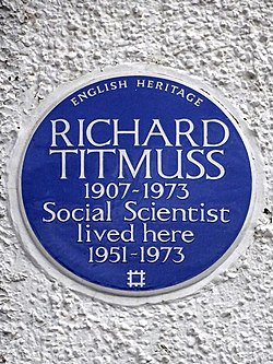 Richard titmuss 1907 1973 social scientist lived here 1951 1973
