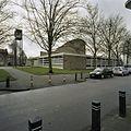 Rechterzijgevel met luidtoren, gezien vanaf de straat - Amsterdam - 20382356 - RCE.jpg