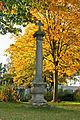 Reitscher Denkmal im Herbst (Dorfstraße).jpg