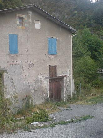 Beaujeu, Alpes-de-Haute-Provence - The old coaching inn