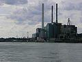 Rhein bei Mannheim Großkraftwerk Mannheim Juli 2012.JPG
